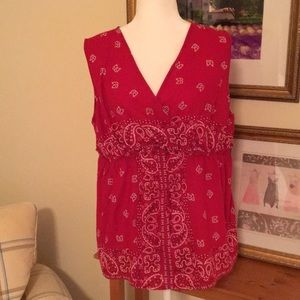Sleeveless bandanna top